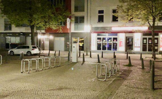 Furt für Zufußgehende, Krumme Straße