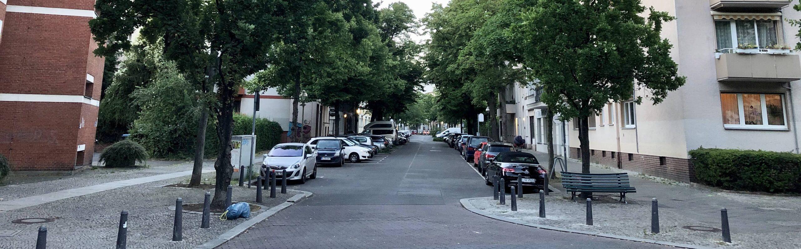 Radweg durch Fußgängerzone Wilmersdorfer Straße oder die Weimarer Straße als Nord-Süd-Achse für Radfahrer?